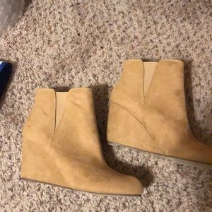 Forever 21 tan wedge boot size 9